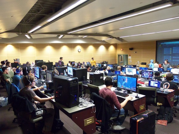 The GameSync Gaming Center in action